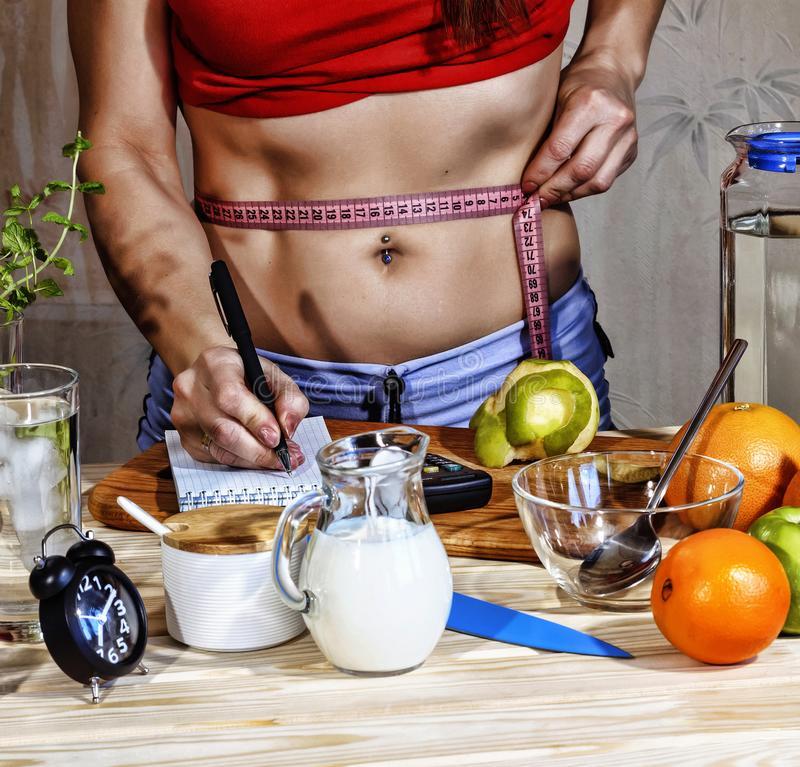Ешьте семена чиа с лимоном: получите плоский живот через неделю