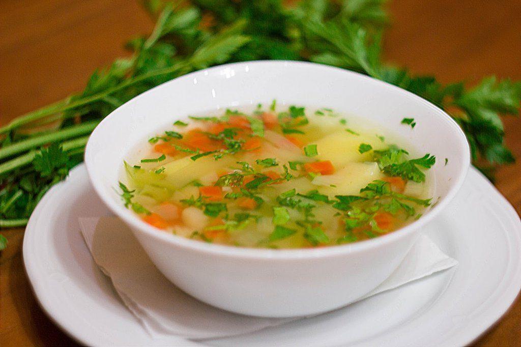 10 вкусных рецептов овощного диетического супа для похудения.