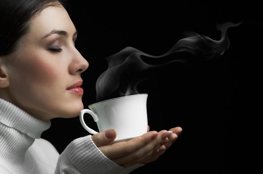 Как черный кофе помогает похудеть?