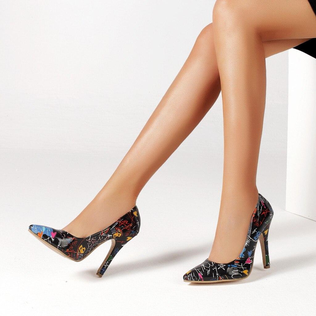 10 побочных эффектов ношения высоких каблуков.