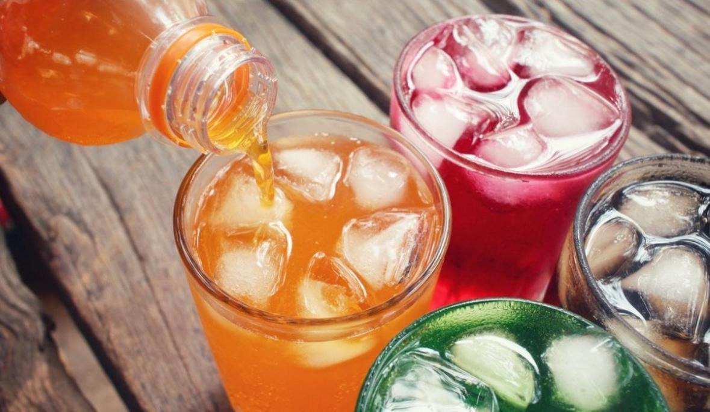 Сладкие напитки повышают риск развития рака.
