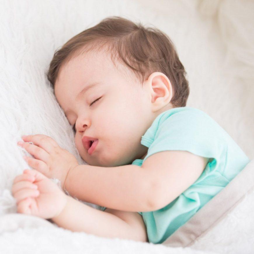 Как сон влияет на здоровый вес ребенка.
