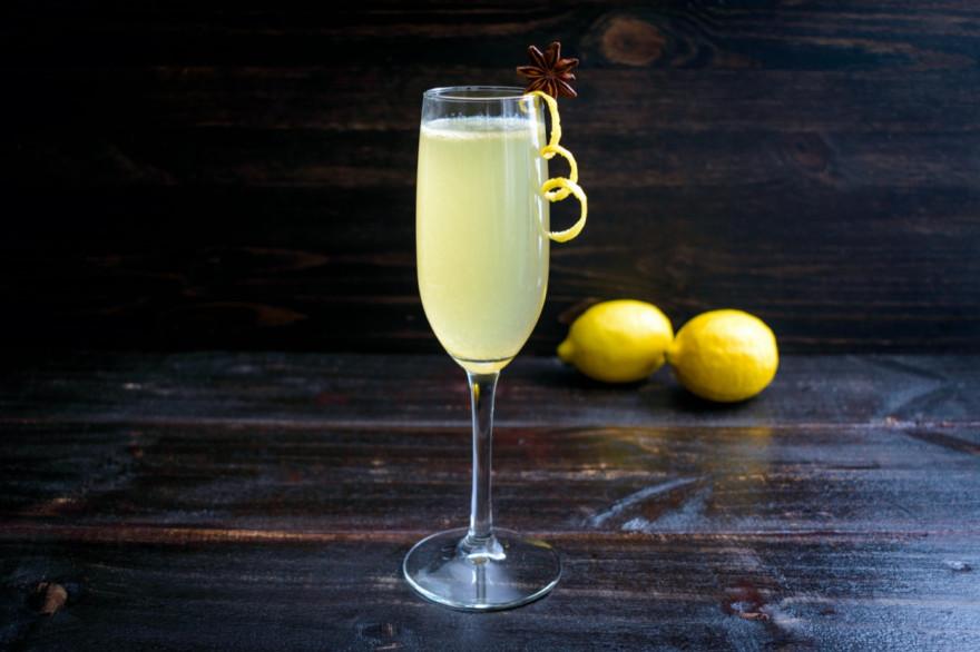 Френч (French) 75: рецепт коктейля с джином и шампанским