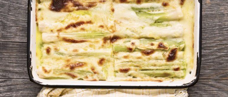 Как быстро и легко приготовить запеканку из лука-порея