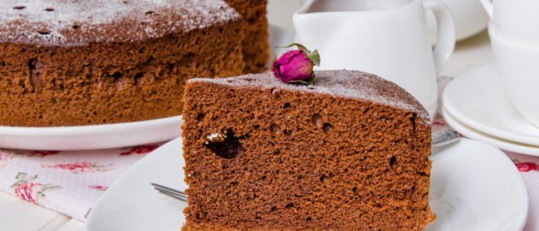 Рецепт шоколадного бисквита для пушистого торта